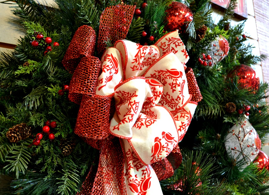 Birdsville Christmas wreath cardinal ribbon